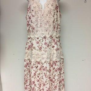 Adelynrae floral dress size medium
